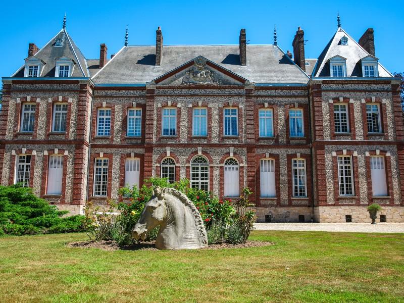 chateau-dhugleville